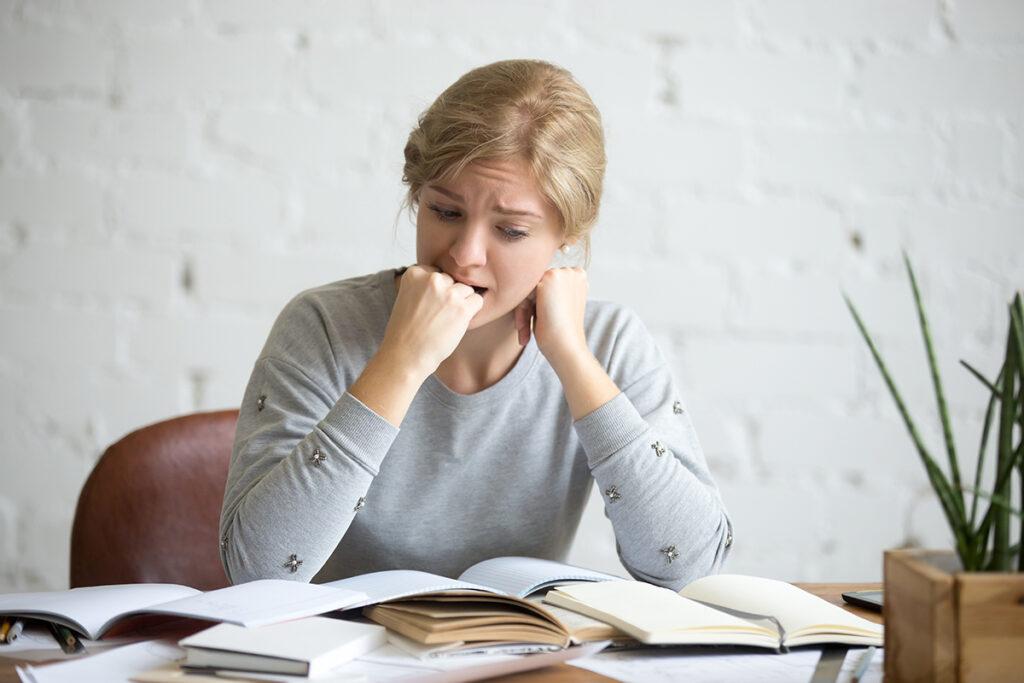 Stress en invloed op de mondgezondheid vrouw tijdens het studeren in amsterdam